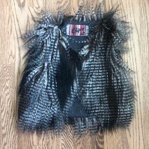 Adorable Chipie faux fur vest